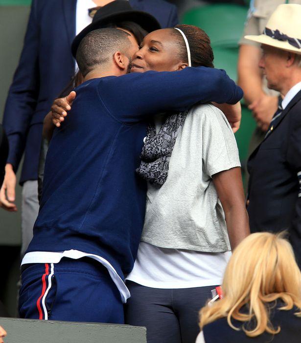 Venus-Williams-greets-Drake