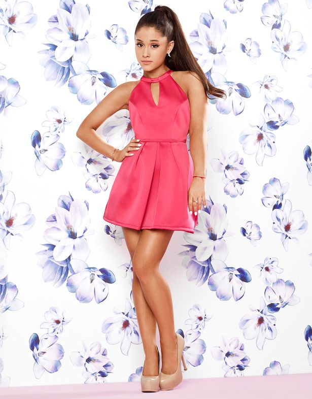Ariana-Grande-For-Lipsy-3